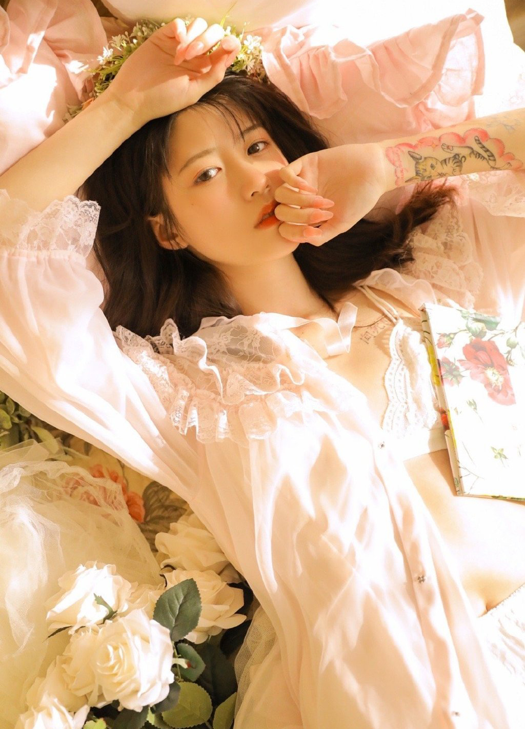 清纯美女性感蕾丝诱惑写真图片