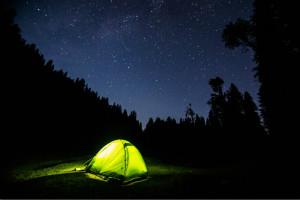 露营帐篷唯美图片 夜的香气弥漫在空中