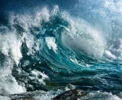 海浪波涛汹涌大海图片   海浪犹如千军万马奔腾而来
