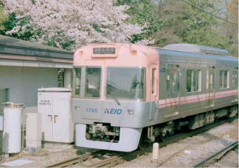 小清新文艺范儿的日本街道铁轨唯美图片